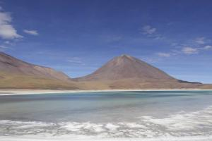 Laguna Verde, Bolivia, has high arsenic levels